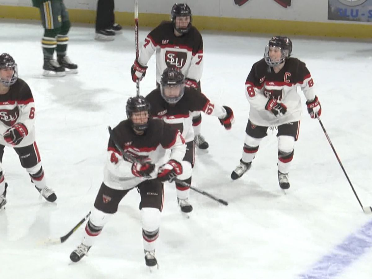 Sports: St. Lawrence Women's Hockey breaks in new Appleton Arena