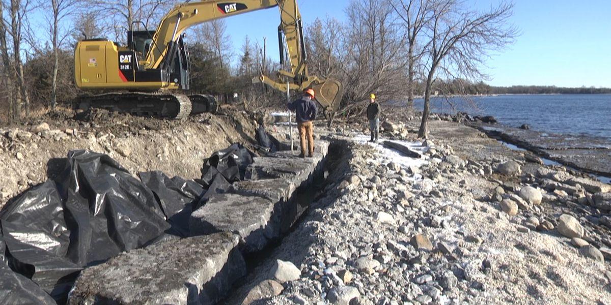 Excavators called in to protect Henderson shoreline