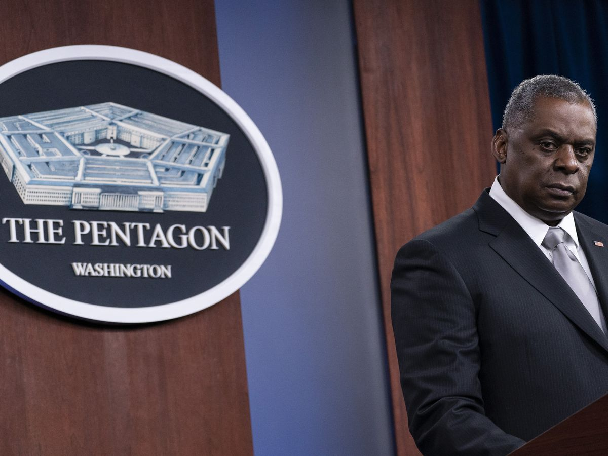 Pentagon report cites threat of extremism in military