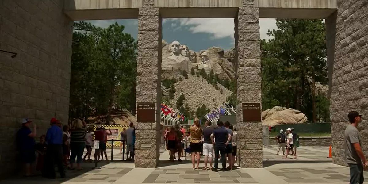 7,500 expected to attend Trump's Mount Rushmore event
