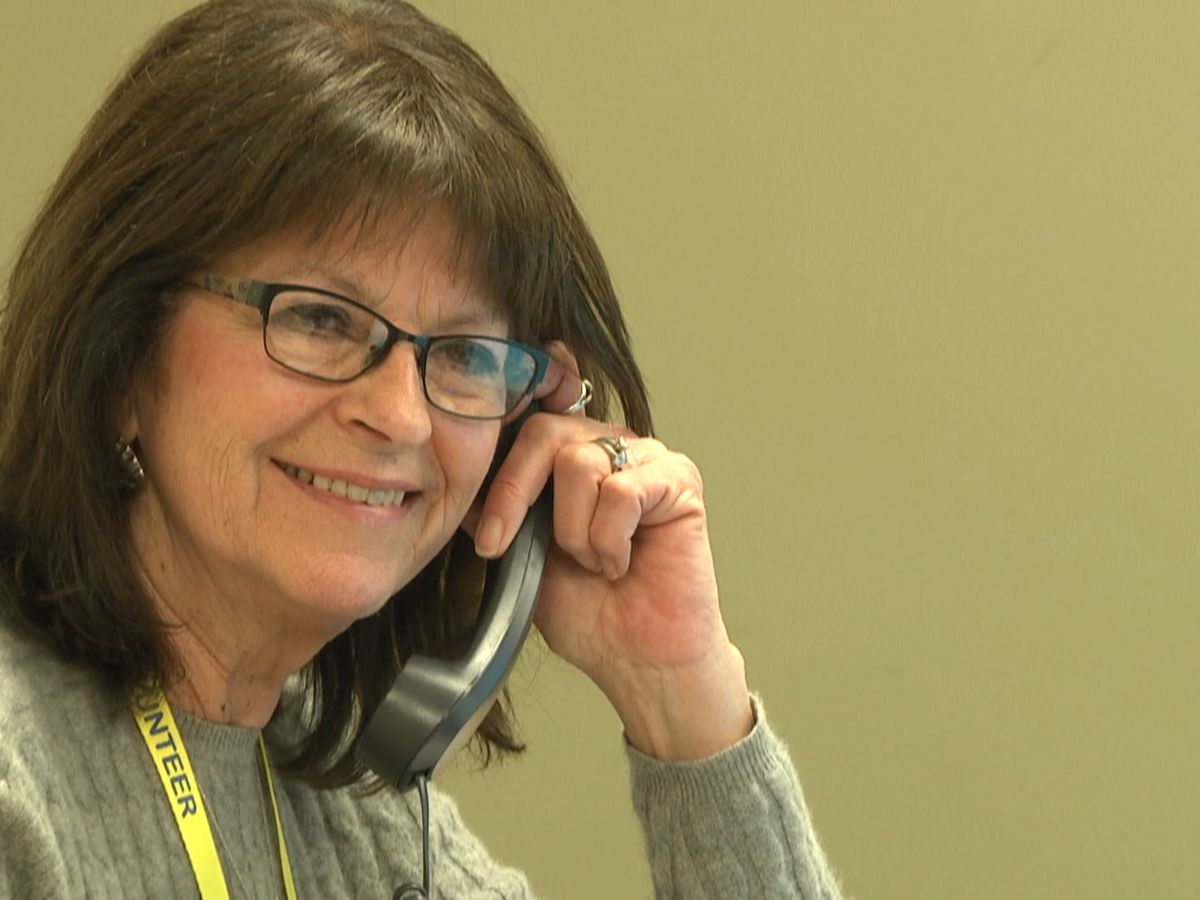 Retirees head back to work at Samaritan, volunteering at COVID-19 crisis line