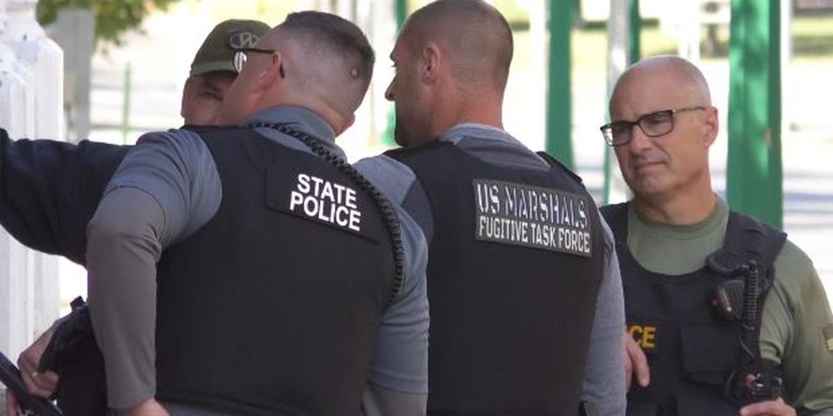 U.S. Marshals, State Police converge on Watertown apartment building