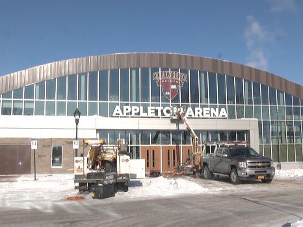 SLU hockey returns to Appelton Arena