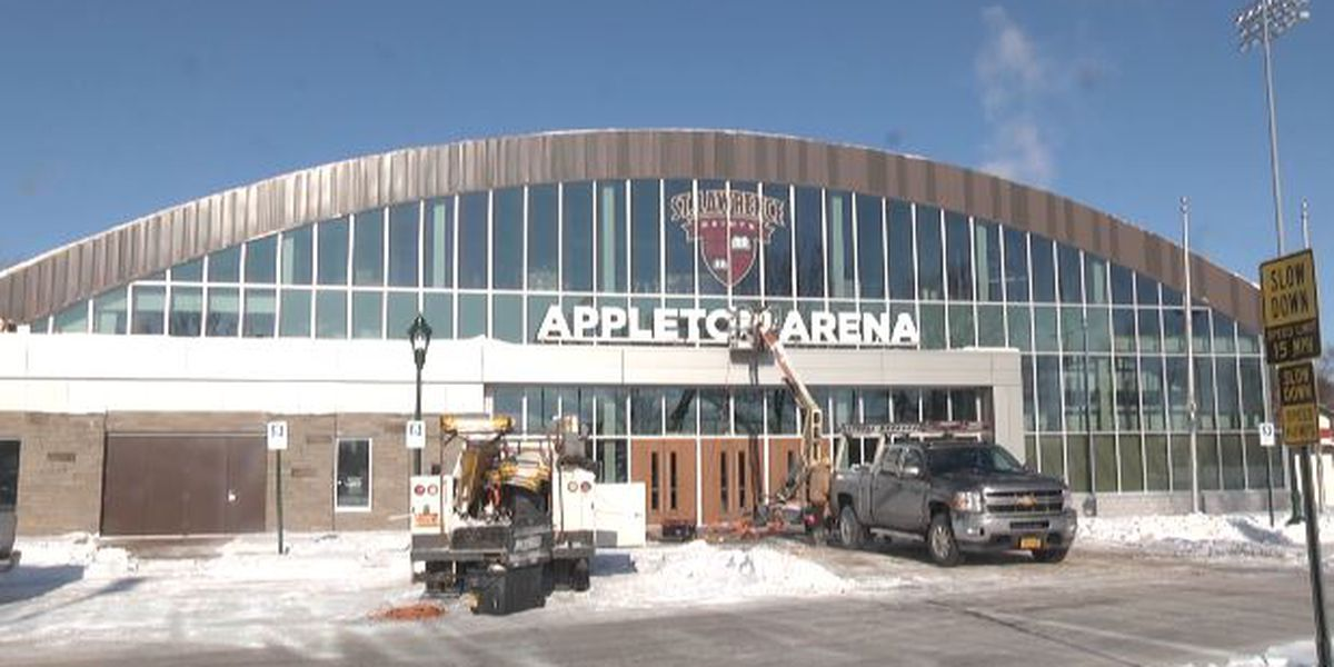 SLU hockey returns to Appelton Arena