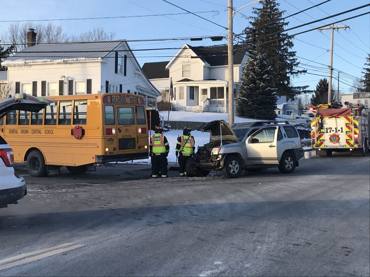 Student hurt in school bus crash in Dexter