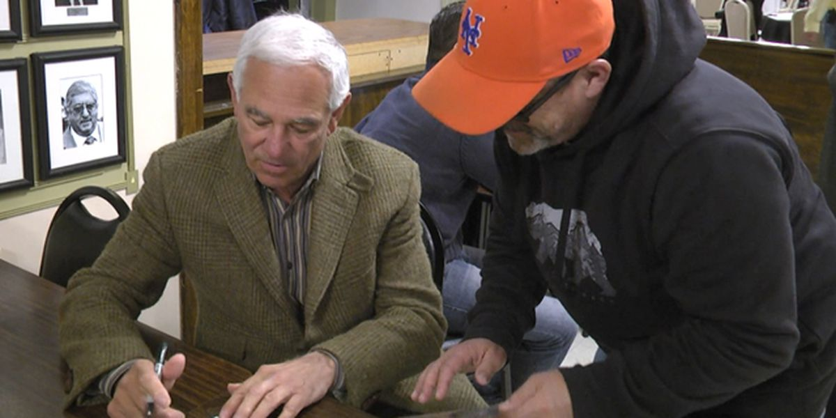 Big-league manager visits fans in Watertown
