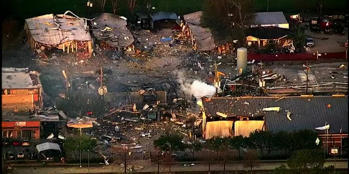 Police: 1 missing after warehouse explosion shakes Houston