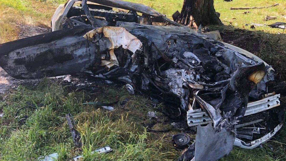 2 'very lucky' after being hurt in fiery crash