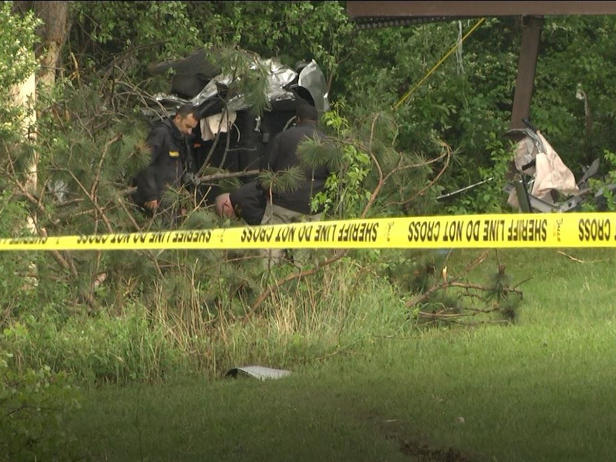 5 killed in early morning crash in Calcium