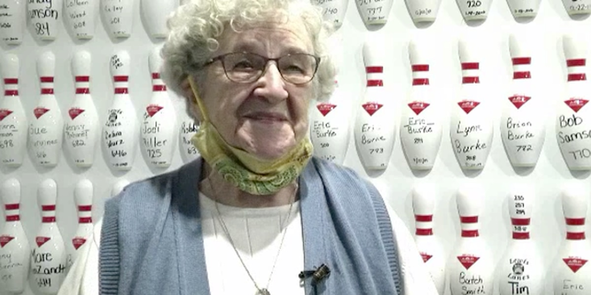 90-year-old bowler still tearing up the lanes