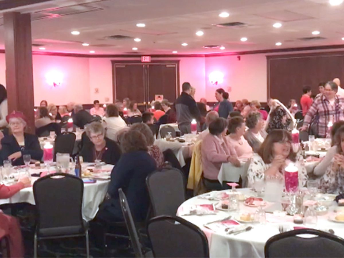 Annual dinner celebrates breast cancer survivors