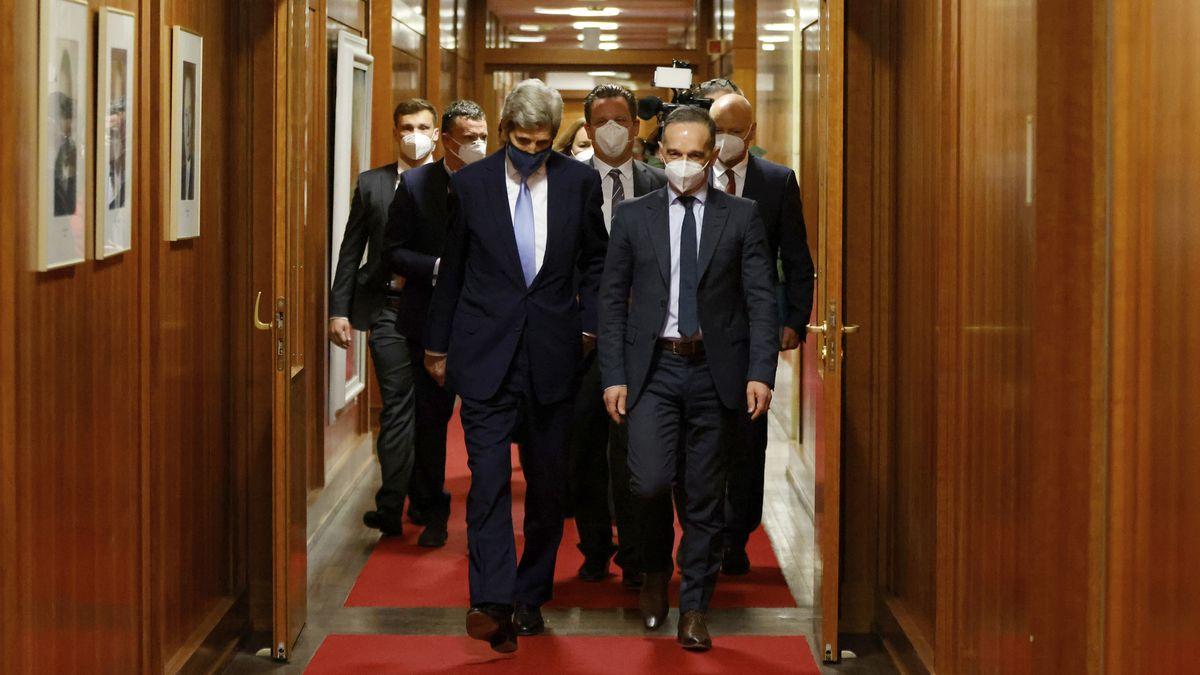 Kerry says US examining carbon border tax, sees risks