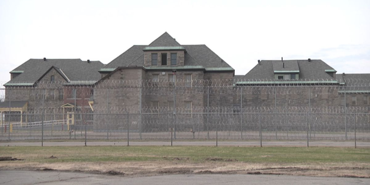 Group calls for more COVID-19 testing in state's prisons