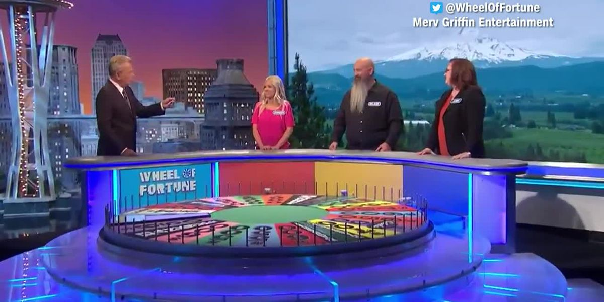 'Wheel of Fortune' contestant jokingly trashes his family
