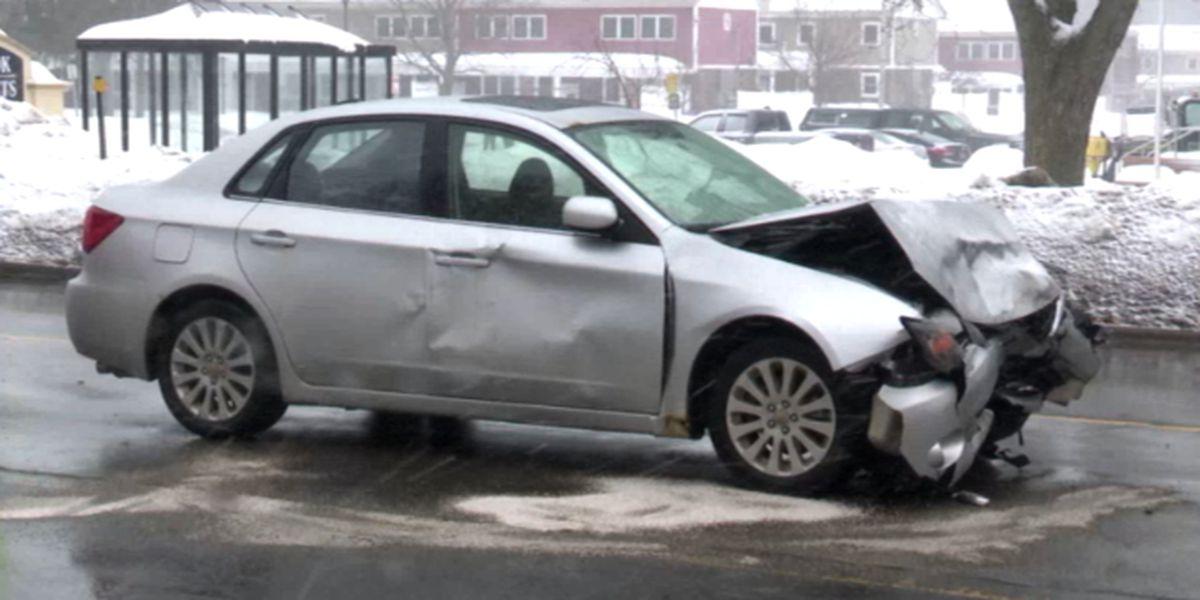 Minor injuries in 2-vehicle crash in Watertown