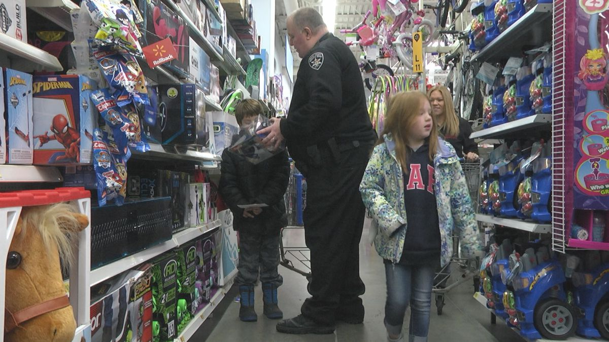 "Saturday: First responders in Lewis County host ""Shop with a Cop"""