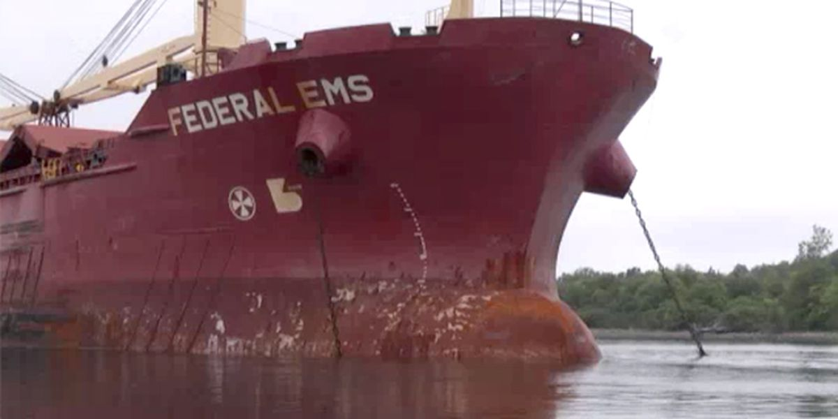 Engine repaired, Federal EMS moored at Eisenhower Lock