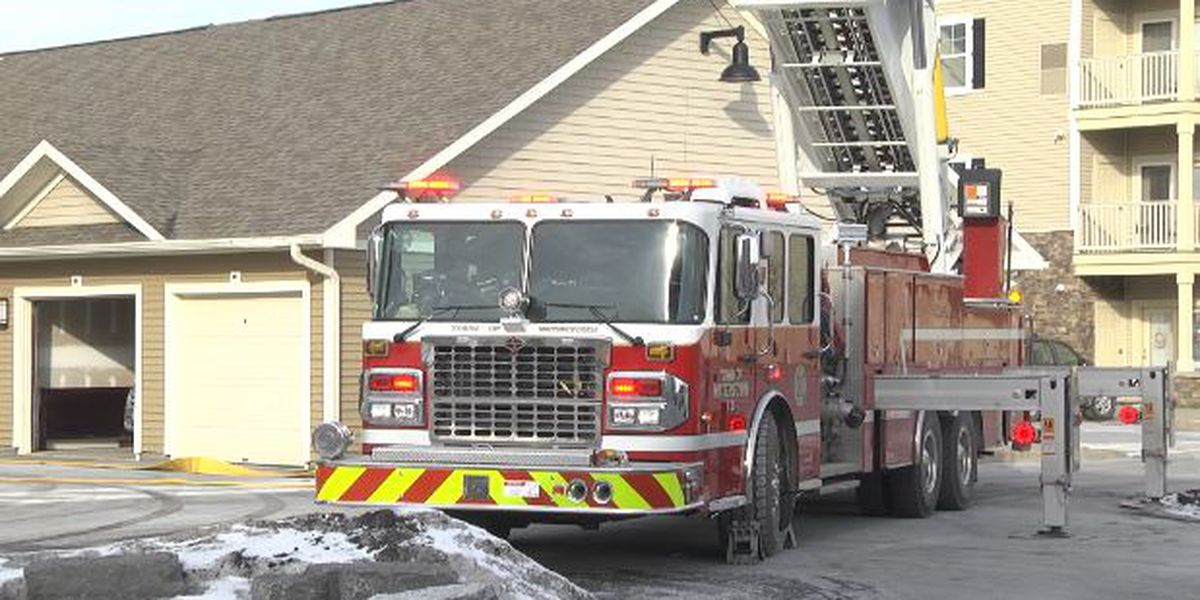 Smoke prompts evacuation of apartment building