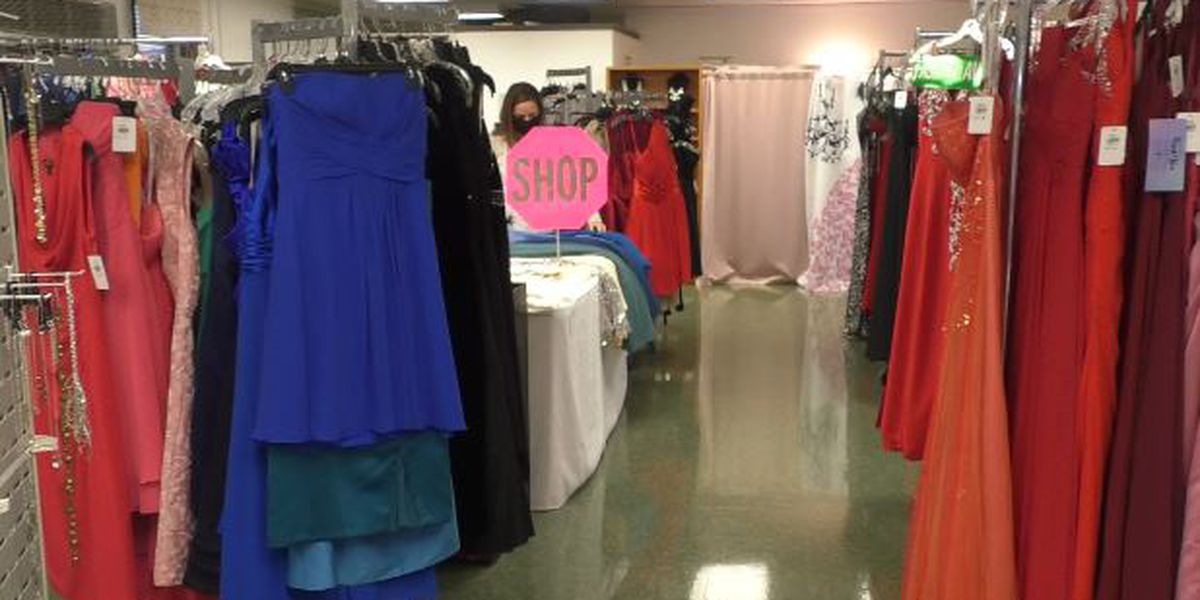 Fort Drum boutique offers free dresses to servicewomen and spouses
