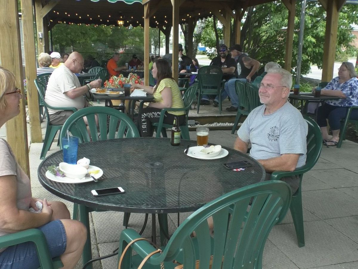 Outdoor dining on the menu for some, a tall order for others