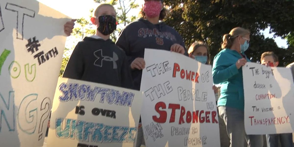 Watertown protestors demand to see report on former city manager Finn