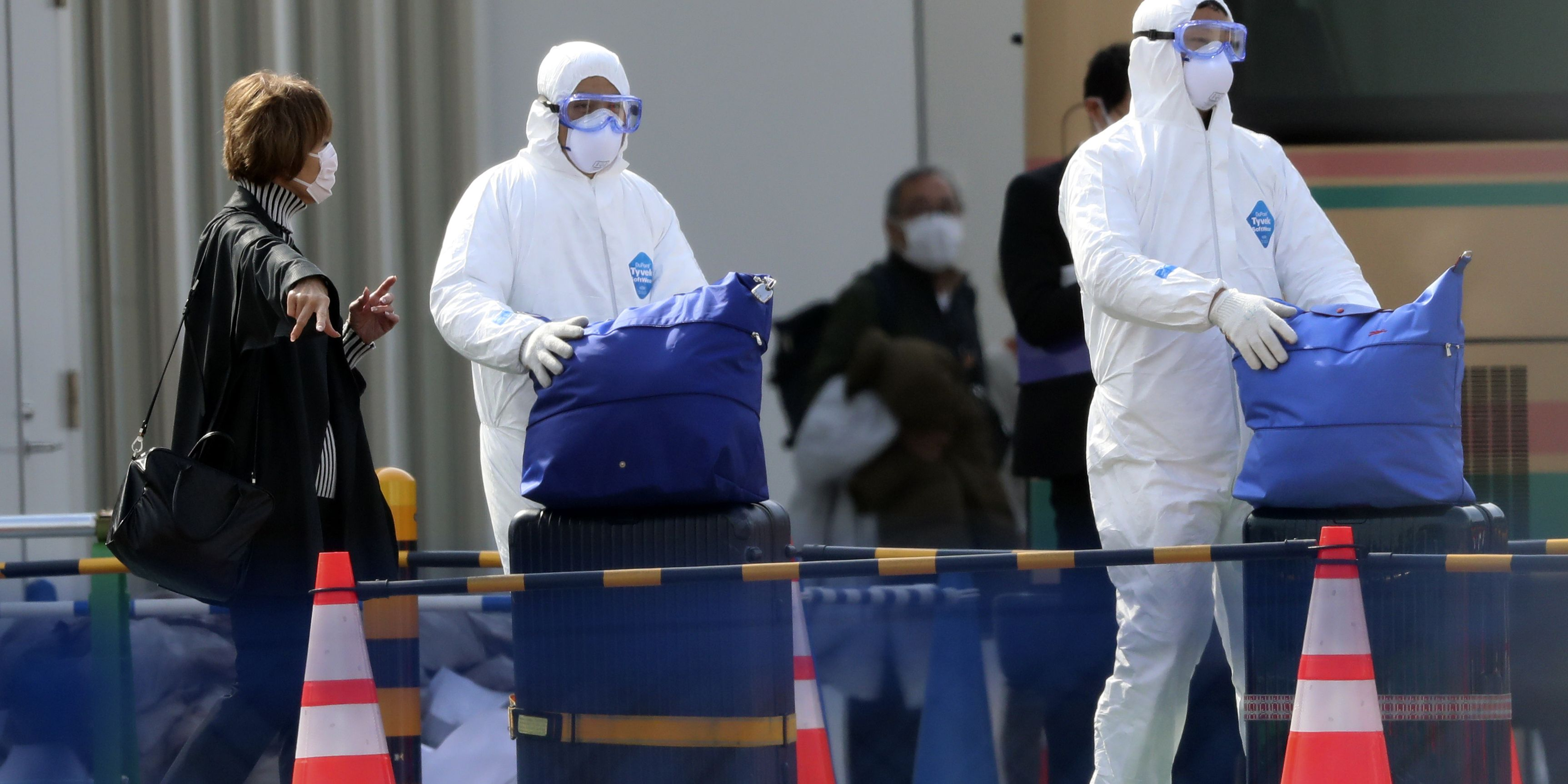 16 cruise ship evacuees being moved to US hospitals after tests for new virus