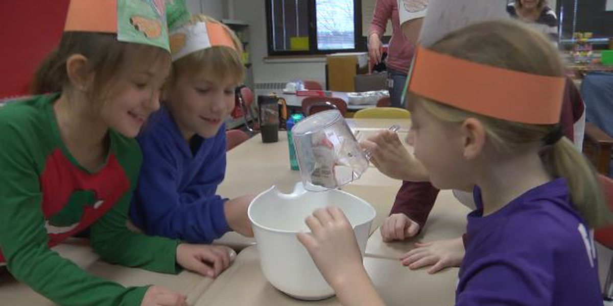 Watertown youngsters learn about Thanksgiving by making cornbread