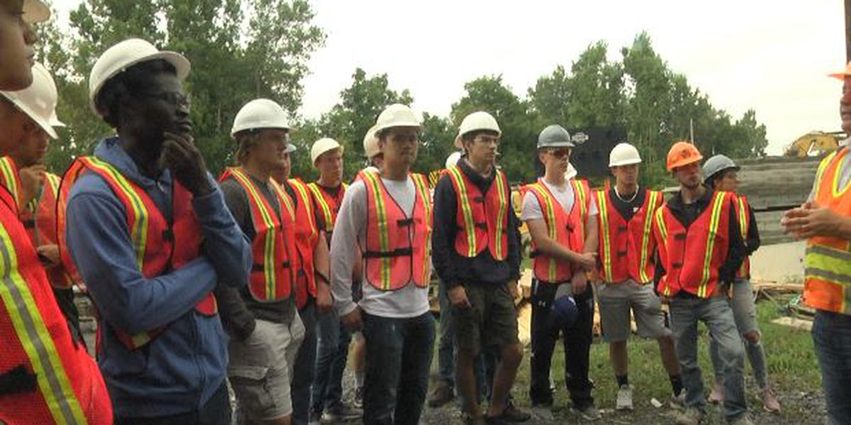 JCC students learn about engineering at bridge construction site