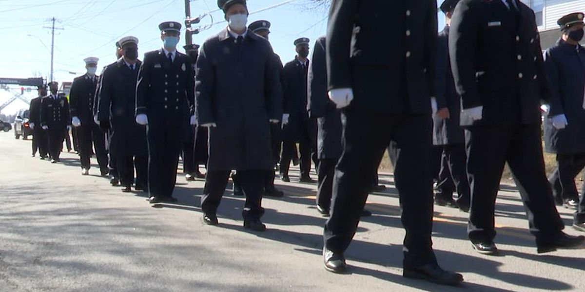 Hundreds of firefighters turn out for Morse funeral