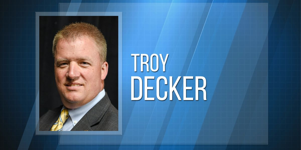 Decker named new Indian River superintendent