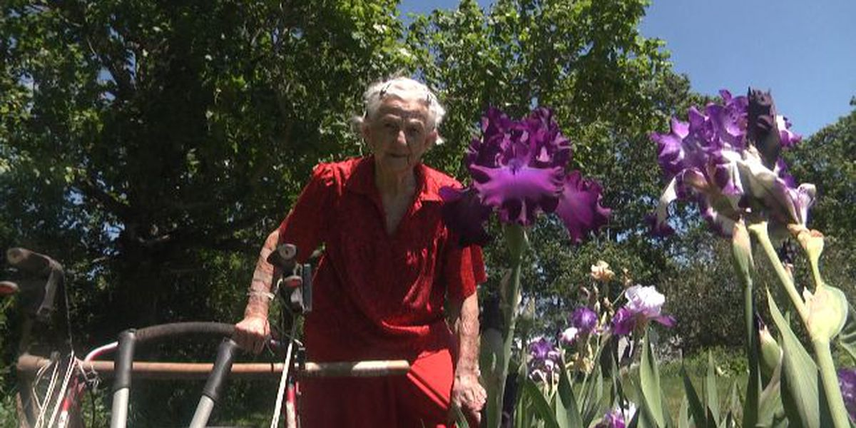 Grandma in the garden: 102 year old woman still going strong