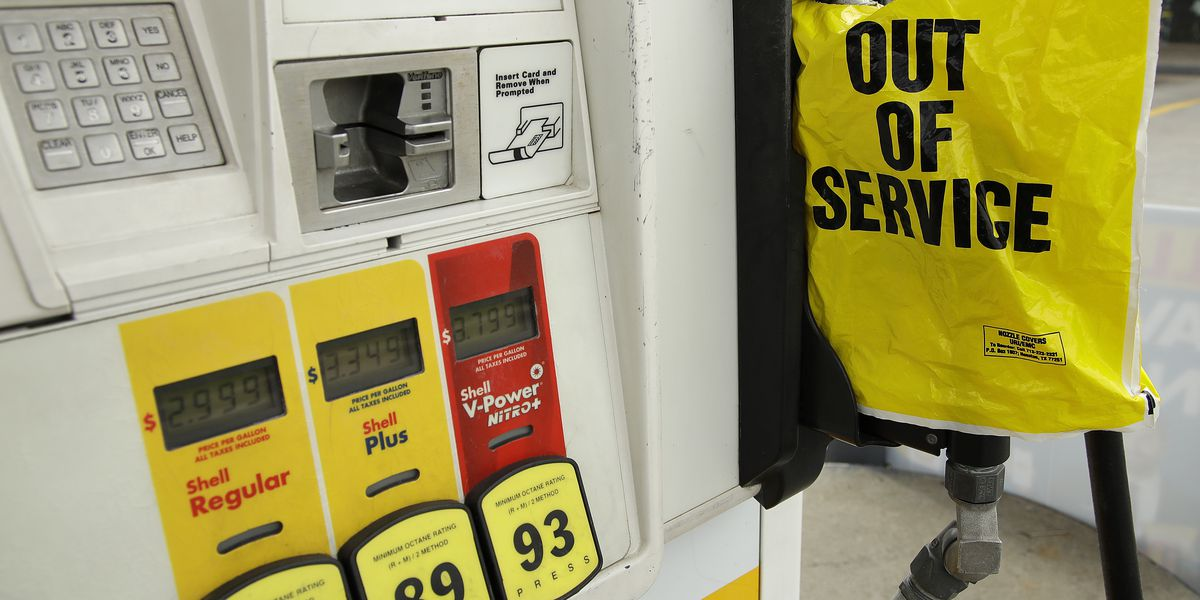 Some gas stations out of fuel, scramble on for new routes after Colonial Pipeline hack